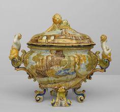 Italian Renaissance accessories centerpiece/compote porcelain