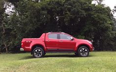 Prestes a mudar, Chevrolet S10 desafia a nova Toyota Hilux nas versões topo de linha - Carsale