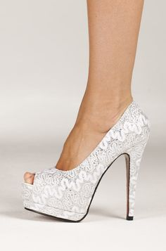 White Lace Pumps? for my wedding? yeess!