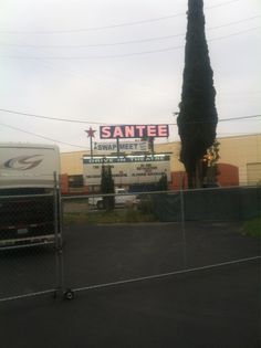 Santee Drive-In Swap Meet, Santee, CA