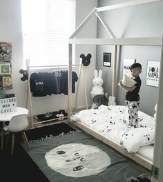2018 Best Toddler Boy Bedroom Themes For Your Inspiration - Home - Kinderzimmer Boy Toddler Bedroom, Toddler Rooms, Baby Boy Rooms, Baby Bedroom, Kids Bedroom, Kids Rooms, Bedroom Black, Master Bedrooms, Modern Bedroom