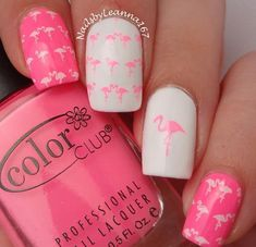Classy bright pink summer nails colors ideas 2018. Love this flamingo art for beach vacation. Perfect for long nails tips. Neon pink is the hot summer trends that you don't want to miss. #summernails #summerstyle #nails #nailartdesigns #nailart #flamingo #beach