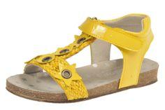 Sandalia Moda Infantil Modelo 5807c75 Charol Amarillo talla 24 a 33