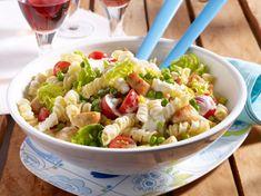 Unser beliebtes Rezept für Spiralnudel-Salat mit Hähnchenwürfeln und mehr als 55.000 weitere kostenlose Rezepte auf LECKER.de.