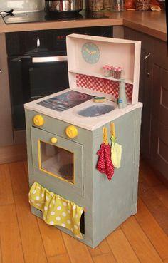 Cardboard Kitchen for Kids – Cardboard Children Kitchen - toys Cardboard Kitchen, Cardboard Crafts Kids, Cardboard Play, Cardboard Dollhouse, Diy For Kids, Crafts For Kids, Carton Diy, Diy Kids Kitchen, Diy Karton