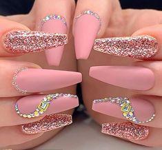 Amazing pink matte nails coffin long adorned with glitter and crystals coffinnails coffinnailshape mattenails glitternails Ballerina Acrylic Nails, Bling Acrylic Nails, Summer Acrylic Nails, Best Acrylic Nails, Rhinestone Nails, Gel Nails, Matte Nails, Pink Bling Nails, Diamante Nails