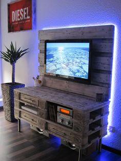 Pallet Media Console - DIY TV Stand   101 Pallet Ideas