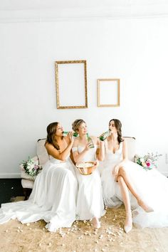 Virtual Wedding Guide: 10 Tips for Streaming Your Wedding Online Eclectic Wedding, Chic Wedding, Wedding Day, Be My Bridesmaid, Bridesmaid Dresses, Wedding Dresses Photos, Bridal Musings, Bridal Shoot, Rachel Friends