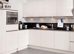 Keuken bij Nieuwenhuis (hoge kastjes)