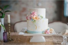 Love this charming small cake done for a bohemian wedding style shoot