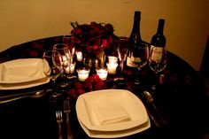 Dinner Table Set Up, Romantic Dinner Tables, Romantic Dinner Setting, Romantic Night, Dinner For Two, Date Dinner, Romantic Dates, Romantic Dinners, Dessert For Dinner