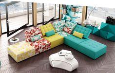 En nuestra tienda la comodidad no está reñida con la estética. En PK 454 Mobiliario encontrarás sofás y butacas tapizados en tela o en piel, de todas las medidas, formas y acabados. Sofas con chaise lounge, rinconera, asientos deslizantes, relax, motorizados, sofas de fondo reducido …