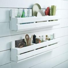 Meble DIY: Półka do kuchni z palety - opis krok po kroku i zdjęcia