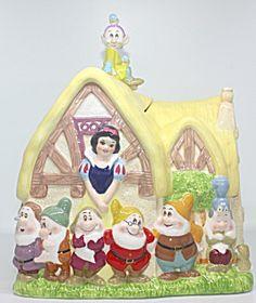 Snow White And The Seven Dwarfs Cookie Jar Vintage Cookies, Seven Dwarfs, Walt Disney Company, Ceramic Decor, Vintage Disney, Cookie Jars, Dog Treats, Glass Jars, Tinkerbell