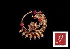 Satyanarayan J Jadia & Sons Jewellers Pvt Ltd Nath Nose Ring, Diamond Nose Ring, Nose Ring Jewelry, Gold Rings Jewelry, Nose Rings, Bridal Jewelry, Antique Jewelry, Ear Rings, Nose Ring Designs