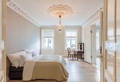 FINN – VIKA - Påkostet og attraktiv leilighet - Balkong - Stukkatur og rosetter - Vedfyring - Parkering*