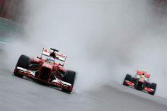 #Formula1 - Sebastian #Vettel de #RedBull se impone en la #Poleposition del #GranPremio de #Brasil  -Alonso y su Ferrari  Fuente de las imágenes: http://www.formula1.com/gallery/race/2013/912/  #F1 #BrazilianGP #Interlagos #Automovilismo #Motores #Deportes #racing