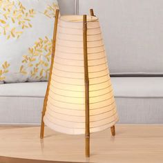 Bamboo-pöytävalaisin bambua ja paperia Buy Bamboo, Natural Looks, White Light, Table Lamp, Lights, Living Room, Design, Home Decor, Products