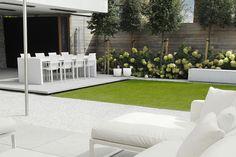 10 Amazing Minimalist Garden Design Ideas for Your New Home 11 Urban Garden Design, Contemporary Garden Design, Small Garden Design, Landscape Design, Minimalist Garden, Minimalist Style, Small Backyard Landscaping, Modern Landscaping, Landscaping Ideas