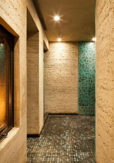 Rammed Earth Homes, Rammed Earth Wall, Natural Building, Green Building, Martin Rauch, Eco Buildings, Clay Houses, Tadelakt, Concrete Structure