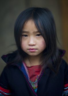 The H'Mong people are a subgroup of the Miao ethnic group. It is believed Miao migrated from China during the 19th century, after centuries of Han pressure pushing always more southward. Nowadays, there is an estimated number of 750,000 Hmongs in Vie http://www442.litado.edu.vn/chu-ky-dien-tu-la-gi/  http://www442.litado.edu.vn/category/chu-ky-so-gia-re/