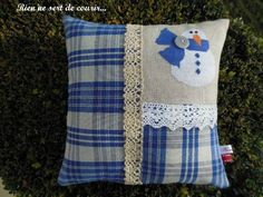 petit bonhomme free ici... http://www.stitchingthenightaway.com/1840/little-snowman-cross-stitched-by-jackie/
