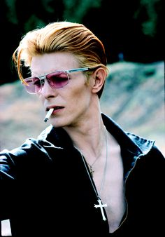 Photographs by Steve Schapiro, from Bowie, published by powerHouse Books David with cigarette on a break from filming MFE in New Mexico 1975. This became a Rolling Stone cover and a popular image