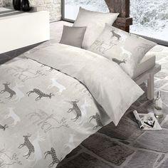 Schlafgut Soft Touch Wendebettwäsche Wonderland leinen aus natürlich elastischer Baumwolle. Auf der hellen Bettwäsche wirken die einzelnen Waldtiere angenehm leicht. Die natürlichen Farben und das modische Design, der weichen Garnitur, sprechen für sich. www.bettwaren-shop.de