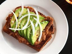 Toast With Refried Beans And Avocado / 29 Vegan Breakfasts...use gf toast