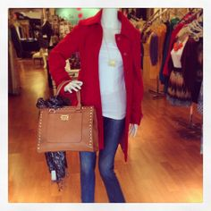 The temperature's dropping, so warm yourself up with this gorgeous coat - we love it here with basic jeans and a tee!