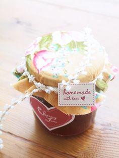 DIY homemade jam wedding favor