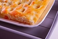 Focaccia. Te enseñamos a cocinar recetas fáciles cómo la receta de Focaccia. y muchas otras recetas de cocina.