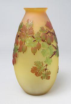 E.GALLÉ(1846-1904)___ blownout Fig vase