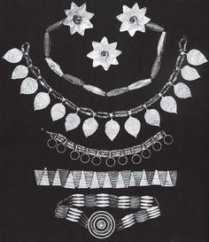 Женский головной убор и ожерелье из золота и драгоценных камней царицы Пу-аби. Ур. III тыс. до н. э.