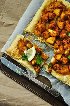 Aloo Gobi Tart from Vegan Belly - delicious Indian food on puff pastry ♥ My mouth's watering thinking about it!