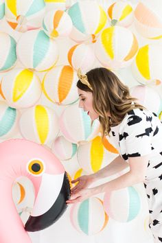 DIY Beach Ball Backdrop