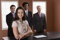 Cómo lograr sobresalir entre la competencia para obtener empleo | eHow en Español