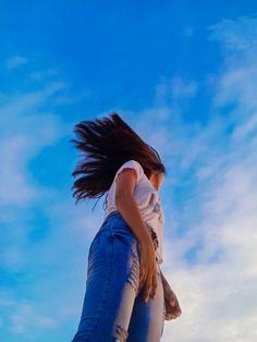 Horse Girl Photography, Teenage Girl Photography, Fashion Photography Poses, Girl Photography Poses, Cute Girl Pic, Cute Girl Poses, Girl Photo Poses, Girl Hiding Face, Girl Face