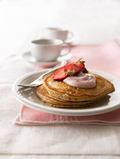 This whole grain strawberry pancakes is perfect dished up with berries and a glass of milk. The whole wheat flour adds a nutty flavor and texture making it a great start to your day Best Breakfast, Breakfast Recipes, Breakfast Dishes, Breakfast Time, Brunch Recipes, Breakfast Ideas, Cooking Recipes, Healthy Recipes, Healthy Meals