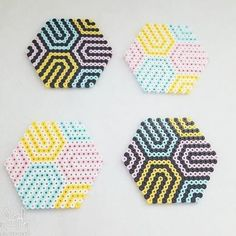 Hama Beads Coasters, Diy Perler Beads, Perler Bead Art, Pearler Beads, Fuse Beads, Easy Perler Bead Patterns, Melty Bead Patterns, Perler Bead Templates, Beading Patterns
