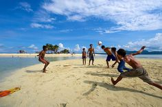 Football fever #drobosummer #summerflashback #summer #discover #explore #explorer #earth #people #fun #funtimes #place #places #island #beach #semporna #sabah #malaysia #photography #photographer #photooftheday #photogram #photo #travelphotography #travel #travelgram #traveller #urbanplanet #urban #adventure