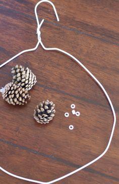 DIY: Pinecone Wreath (Practically FREE)  do it yourself divas