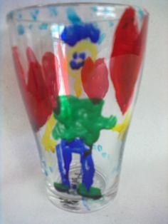 Copo pintado com tintas de vitral