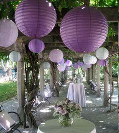 Résultats Google Recherche d'images correspondant à http://imalbum.aufeminin.com/album/D20110226/750330_ZU3UFOSGRLCDU4NXO2ZTK5LMJ7KCTE_grosse-boule-deco-plafond-mariage_H193147_L.jpg