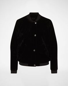 Bomber jacket: 'Virizzo' from VILA. Click on the picture to get the product ♥︎