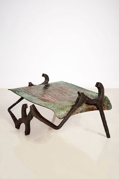 Implement Bench/Table II Forged iron, copper 60 x 80 x 45 cm One-Off Black Clay, Forging Metal, Forged Steel, High Carbon Steel, Stoneware Clay, Old Art, Wrought Iron, White Ceramics, Metal Working