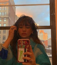 Makeuphall: The Internet`s best makeup, fashion and beauty pics are here. Pretty People, Beautiful People, Insta Photo Ideas, Grunge Hair, Mode Inspiration, Hairstyles With Bangs, Aesthetic Girl, Belle Photo, Pretty Face
