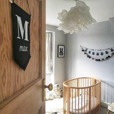 Loving this nursery design with a round crib! Cheap Nursery Ideas, Budget Nursery, Magnetic Chalkboard Paint, Black Chalkboard Paint, Nursery Design, Nursery Decor, Painting A Crib, Round Cribs