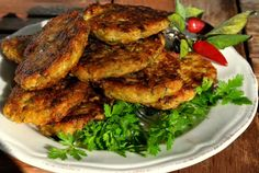 Retete Culinare - Chiftele de legume Tandoori Chicken, Salmon Burgers, Chicken Wings, Curry, Meat, Ethnic Recipes, Food, Curries, Essen