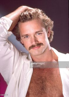 Actor John Schneider poses for a portrait in 1983 in Los Angeles, California.